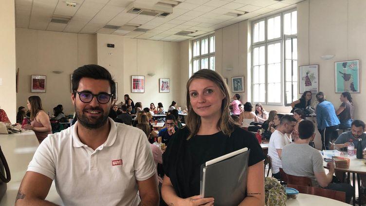 Pauline et Pierre, enseignants stagiaires d'anglais en collège et lycée, font leur pré-rentrée, le 29 août 2019. (ALEXIS MOREL / RADIO FRANCE)