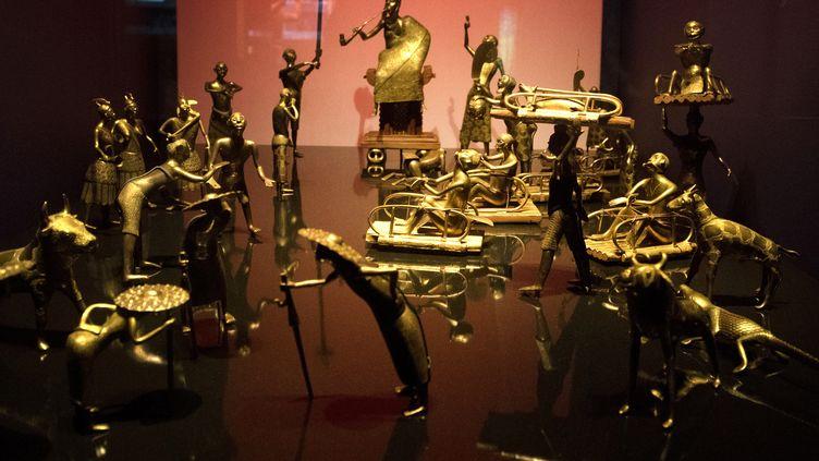 La cérémonie Alto du royaume de Dahomey, une des oeuvres du Bénin exposées au Musée du Quai Branly - Jacques Chirac, dont le pays demande la restitution à la France. (GERARD JULIEN / AFP)