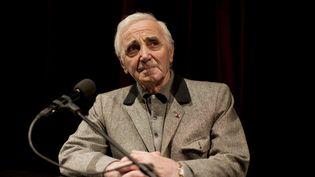 Le chanteur français Charles Aznavour lors d'un festival de littérature à Cologne (Allemagne), le 17 mars 2011. (ROLF VENNENBERND / DPA / AFP)
