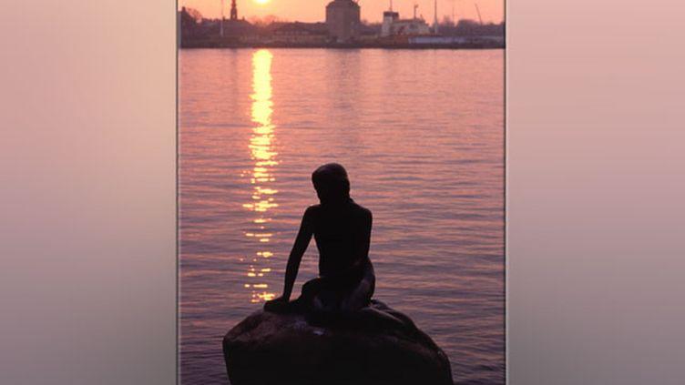 COPENHAGUE - La petite sirène - (© Communauté européenne, 2004)