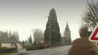 Le village de Montezic, dans l'Aveyron, a reçu un don de 14 millions d'euros. L'ouverture d'un testament est à l'origine de cette belle surprise pour cette commune de 300 âmes. (France 2)