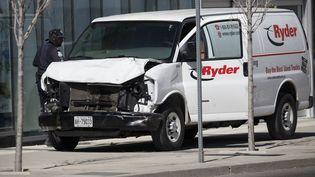 Une homme, au volant d'une camionnette, a foncé sur des piétons à Toronto (Canada), le 23 avril 2018. (COLE BURSTON / GETTY IMAGES NORTH AMERICA / AFP)