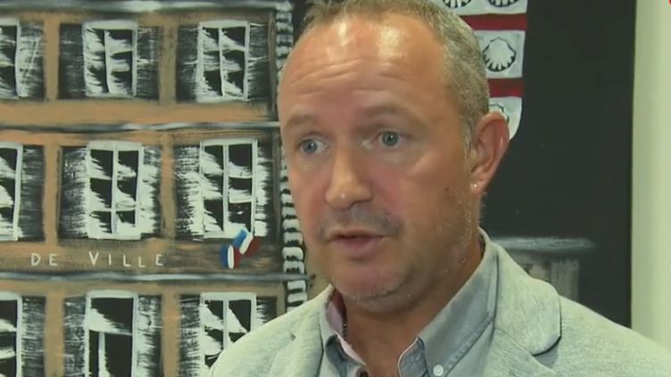 Grégory Courtas, maire SE de Pussay (Essonne). (France 2)