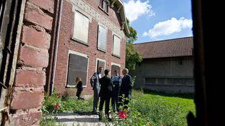 Jean-Jacques Aillagon avait visité l'ancien presbytère de la Cité 9 à Lensle 12/9/14 à la demande de François Pinault  (PHOTOPQR/VOIX DU NORD / BONNIERE )