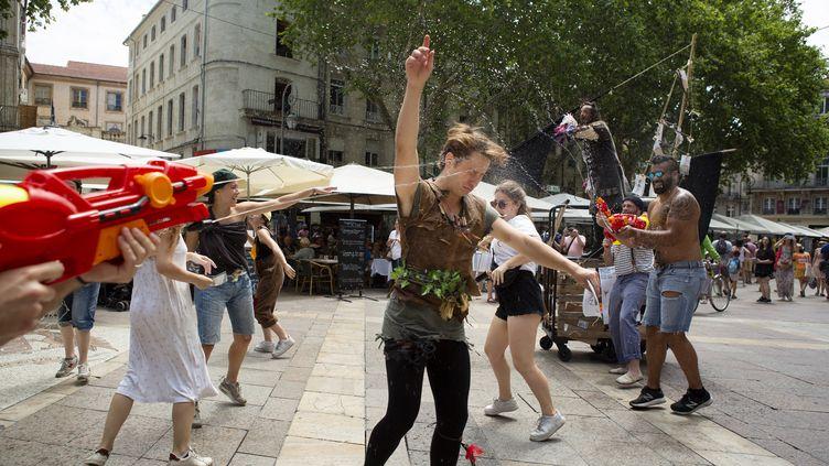 Le Festival Off d'Avignon se poursuit malgré la canicule. (CECILE MELLA)