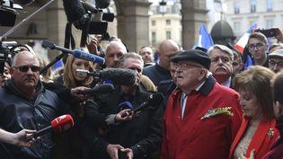 Jean-Marie Le Pen lors de son traditionnel rassemblement du 1er-Mai, à Paris, le 1er mai 2017. (THIBAULT CAMUS / AP / SIPA)