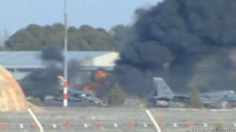 Un avion F-16 s'est écrasé sur la base d'entraînement militaire d'Albacete en Espagne, le 26 janvier 2015. (EVN)