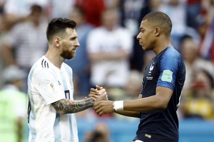 Le match France - Argentine ressemblait à une passation de pouvoir. On attendait Messi, c'est Mbappé qui a ébloui avec 2 buts et un penalty provoqué. (MEHDI TAAMALLAH / NURPHOTO)