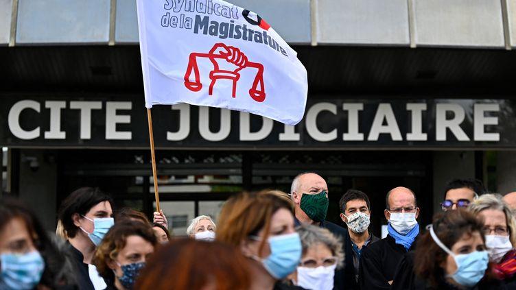 Rassemblement de magistrats à Rennes, en septembre 2020 (illustration). (DAMIEN MEYER / AFP)