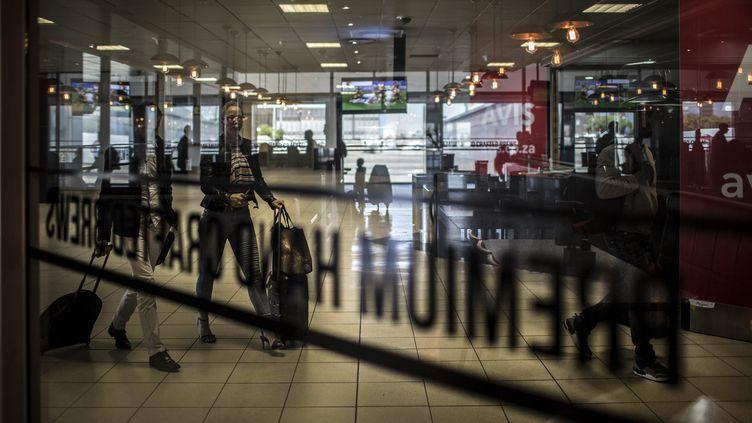 L'aéroportinternational de Tambo à Johannesburg, en Afrique du Sud, le 17 octobre 2017. (GULSHAN KHAN / AFP)