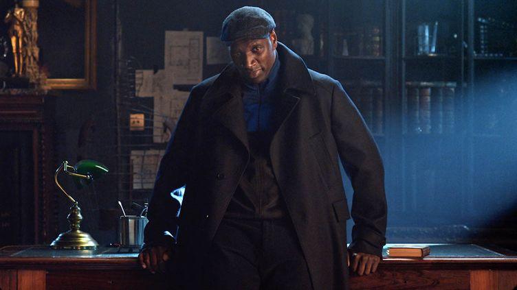 """L'acteur Omar Sy est Assane Diop dans la série """"Lupin"""" sur Netflix. (NETFLIX)"""