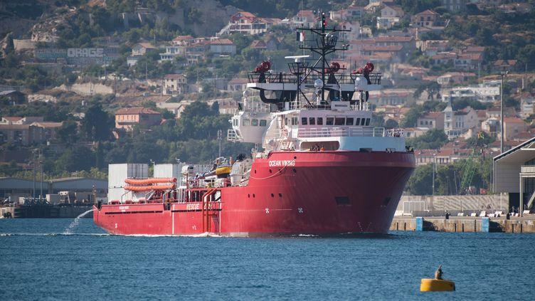 L'Ocean Viking, le nouveau navire de SOS Méditerranée et MSF à Marseille le 29 juillet 2019. (CLEMENT MAHOUDEAU / AFP)