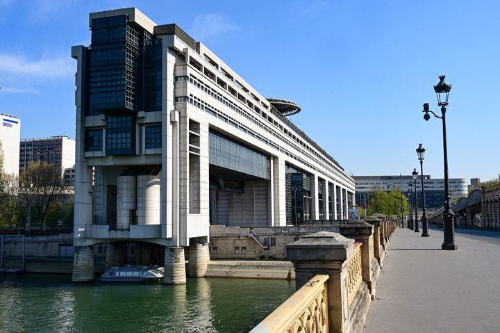 Le siège du ministère de l'Économie et des Finances dans le quartier de Bercy à Paris. (BERTRAND GUAY / AFP)