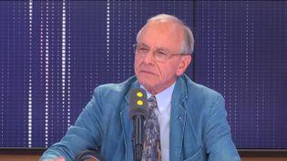 Axel Kahn, généticien, président de la Ligue contre le cancer, invité de franceinfo, mardi 2 juillet 2019. (FRANCEINFO / RADIOFRANCE)
