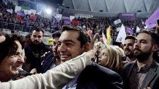 Alexis Tsipras, leader de Syriza, le 20 janvier 2015, lors d'un meeting àThessalonique (Grèce). (GIANNIS PAPANIKOS / AP / SIPA)