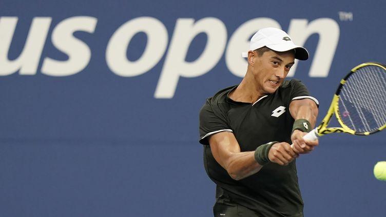 Antoine Hoang au deuxième tour de l'US Open 2019, face à Nick Kyrgios. (JOHN G. MABANGLO / EPA)