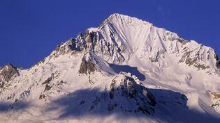 Le sommet de la Dent Parrachée, dans le massif de la Vanoise, où six skieurs de randonnée ont été emportées par une avalanche dimanche 14 avril 2013. (ONLY WORLD / AFP)