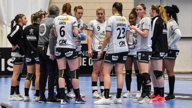 Les joueuses du Brest BH lors d'une rencontre de championnat face à Paris 92. (MELANIE LAURENT / A2M SPORT CONSULTING)