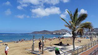 Vue générale plage de Las Palmas sur l'île de Gran Canaria. (JÉRÔME JADOT / RADIO FRANCE)