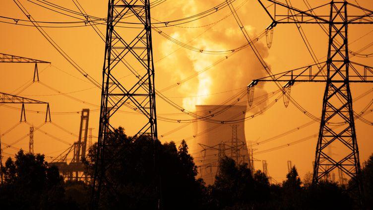 (La réduction du trou de la couche d'ozone est notamment liée aux efforts des industriels © MaxPPP)