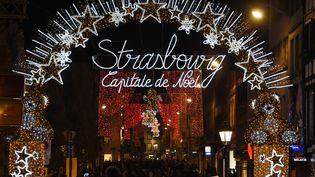 La ville de Strasbourg illuminée pour les festivités de Noël, le 22 novembre 2019. (PATRICK HERTZOG / AFP)