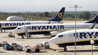 Des avions Ryanair stationnés à l'aéroport de Gérone (Italie), le 20 septembre 2012. (ALBERT GEA / REUTERS)