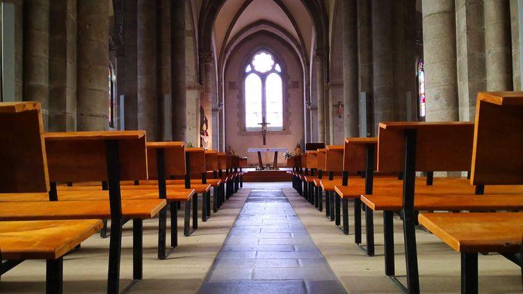 """Les signataires de la pétition dénoncent une Église qui """"tombe en ruines"""". (NINA VALETTE / FRANCE-BLEU CREUSE)"""