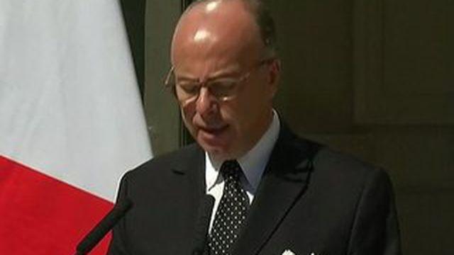 Thalys : Bernard Cazeneuve remercie les trois hommes qui ont maîtrisé le suspect