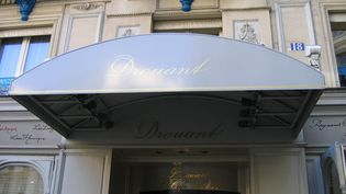 Pour la première fois depuis la Première Guerre mondiale, le prix Goncourt ne sera pas décerné chez Drouant à Paris (photo d'illustration). (CÉLINE ASSELOT / RADIOFRANCE)