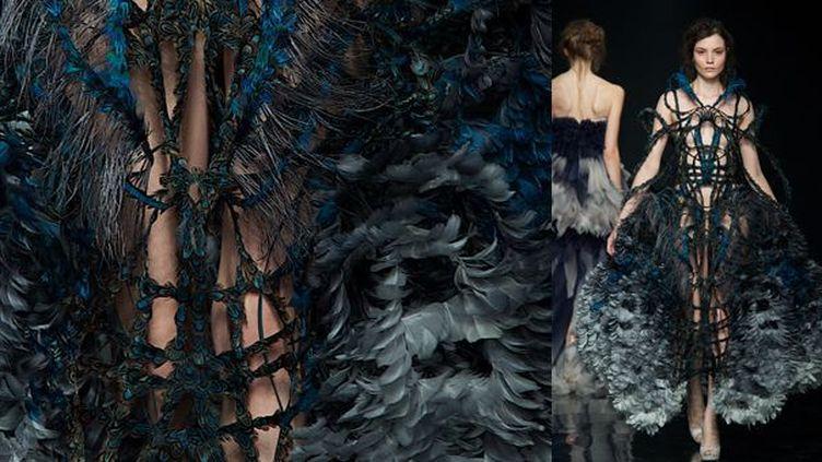 """Expo """"L'univers de la création"""" : création Yiqing Yin avec détail de la robe  (DR)"""