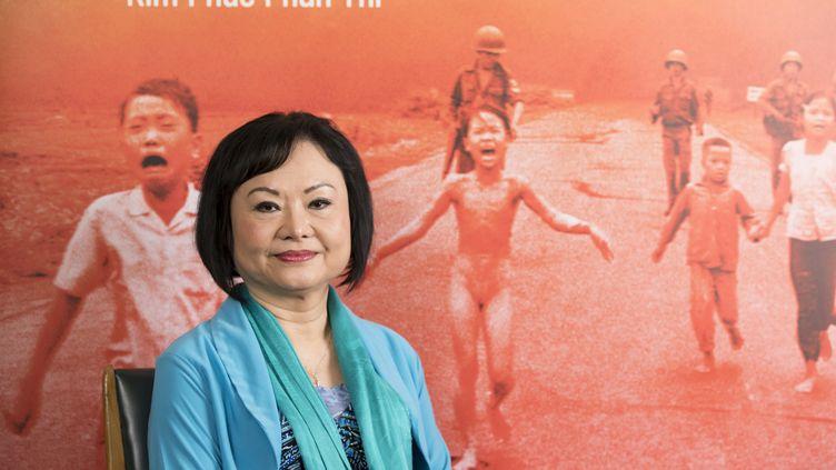 """Kim Phuc Phan Thi, la """"ptite fille au napalm"""" photographiée dans un cliché symbole de la Guerre du Vietnam, ici le 4 octobre 2019 à Paris ausiège de l'Unesco. (GEOFFROY VAN DER HASSELT / AFP)"""