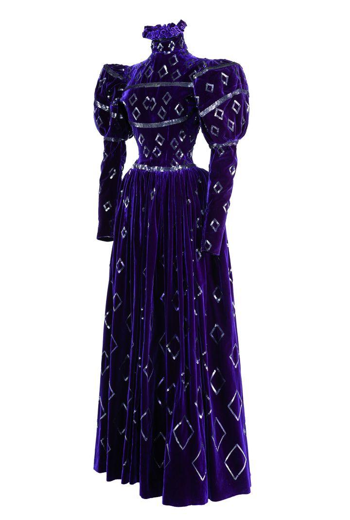 Costume Balenciaga pour le rôle de Donna Fabia dans Échec à Don Juan de C-A. Puget, Théâtre des Ambassadeurs, 1941.   (CNCS / Florent Giffard Costume)