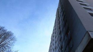 Des émeutes ont éclaté dans la nuit dusamedi 2 au dimanche 3 mars à Grenoble, après la mort de deux jeunes. (FRANCE 3)