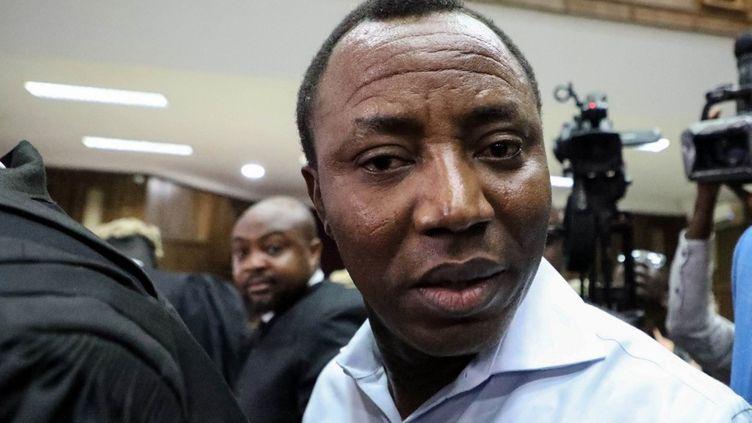 L'opposant Omoyele Soworearrivant le 30 septembre 2019 au tribunal fédéral d'Abuja, la capitale politique du Nigeria.  (KOLA SULAIMON / AFP)