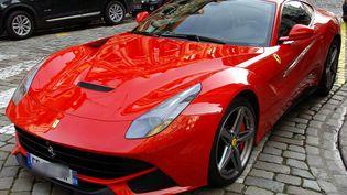 La police espagnole a démantelé un atelier clandestin dédié à la transformation de voitures en répliques des voitures de sport Ferrari et Lamborghini. (MAXPPP)