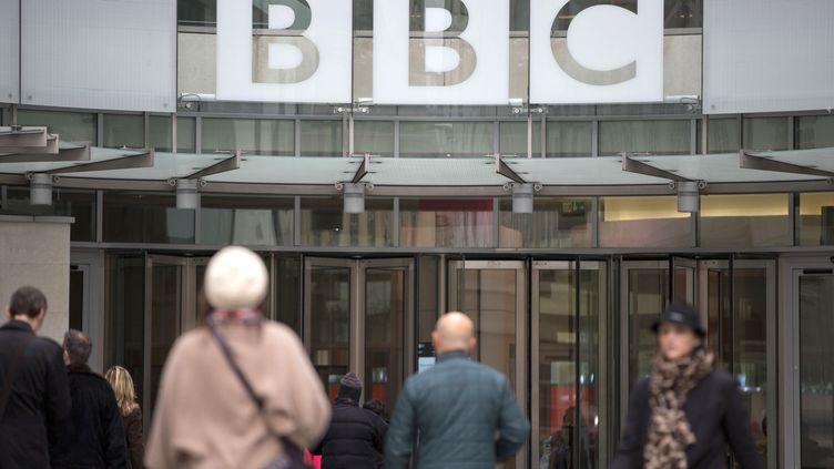Le siège de la BBC, le 12 novembre 2012, à Londres (Royaume-Uni). (NEIL HALL / REUTERS)