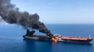 Photo du Front Altair, tanker norvégien de 111.000 tonnes, en flammes. (- / ISNA / AFP)