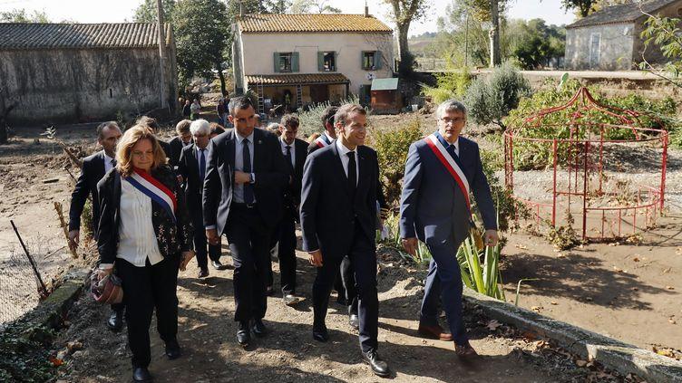 Emmanuel Macron lors de son déplacement à Villalier, dans l'Aude, le 22 octobre 2018. (GUILLAUME HORCAJUELO / POOL)