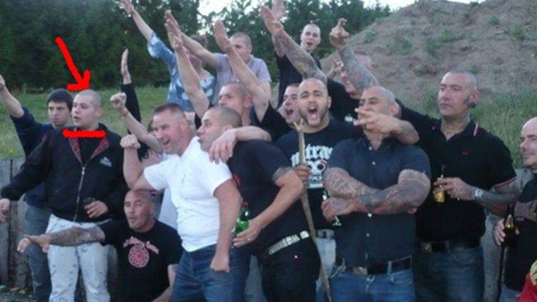 Jean-Baptiste Cordier en compagnie de néonazis faisant un salut hitlérien (Fafwatch)