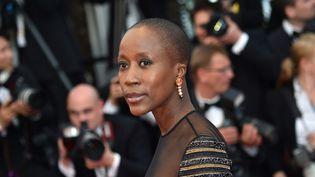 Rokia Traore sur les marches à Cannes  (BERTRAND LANGLOIS / AFP)