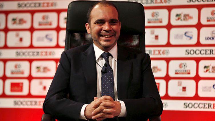 (Le Prince Ali Ben Hussein se présente à la présidence de la FIFA © REUTERS/Muhammad Hamed)