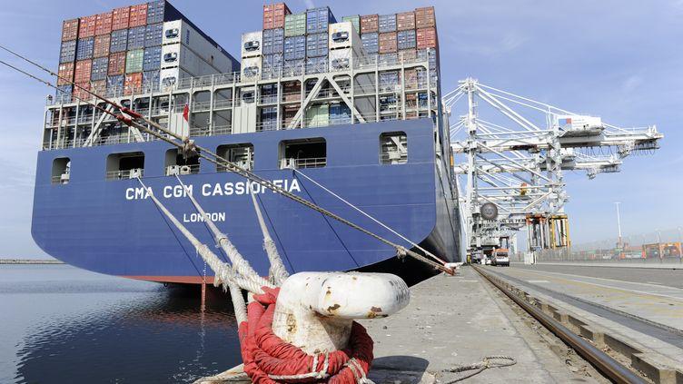 Un porte-container au Havre, le 5 août 2015. (FRANCK DUNOUAU / PHOTONONSTOP / AFP)