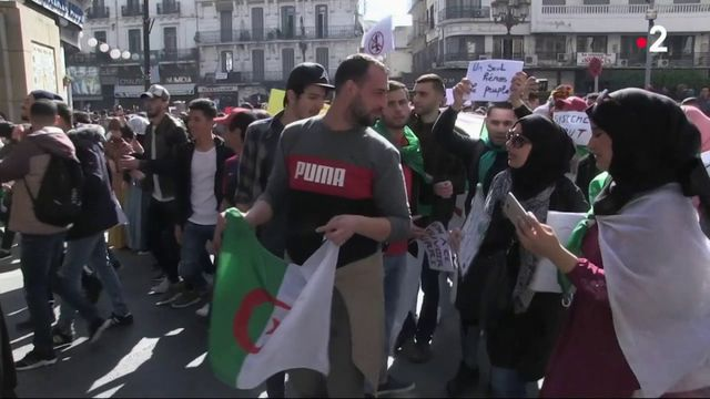 Algérie : scènes de liesse puis incompréhension à Alger