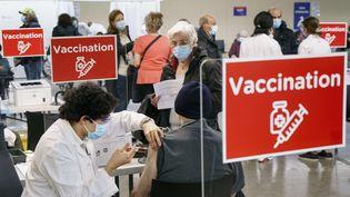 Vaccination à Montréal, le 1er mars 2021 (PAUL CHIASSON / MAXPPP)