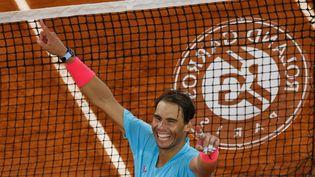 L'Espagnol Rafael Nadal fera une nouvelle fois partie des favoris indiscutables pour cette édition de Roland-Garros 2021. (THOMAS SAMSON / AFP)