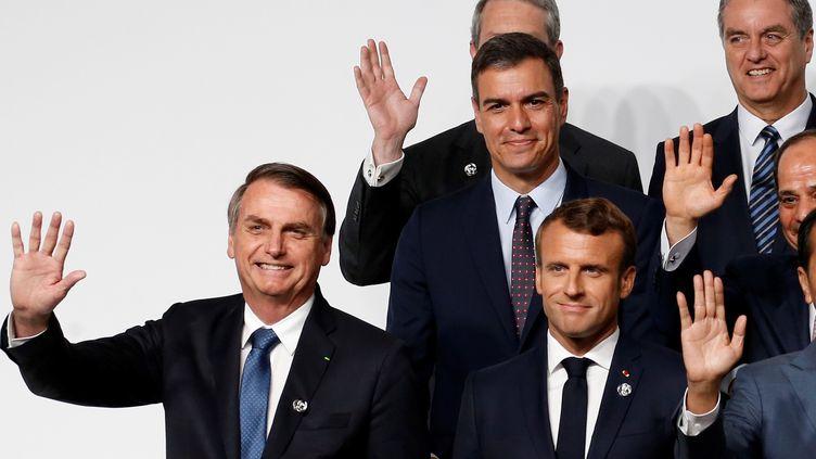 Jair Bolsonaro (à g.) et Emmanuel Macron, lors du sommet du G20à Osaka (Japon), le 28 juin 2019. (CHEMA MOYA / SIPA)