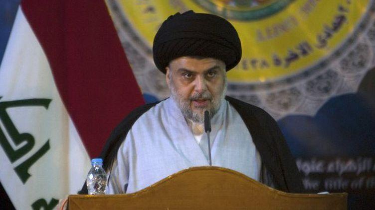 Le chef chiite irakien, Moqtada al-Sadr, lors d'un discours dans la ville sainte de Najaf, le 19 mars 2017. (Haidar HAMDANI/AFP)