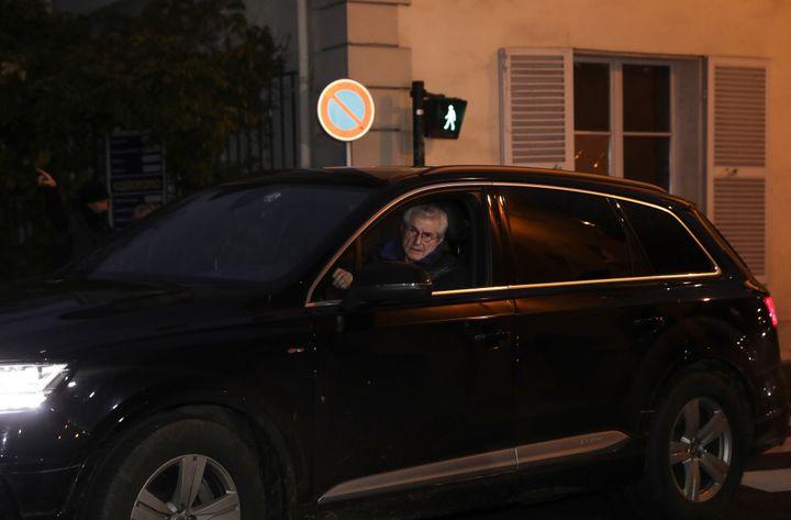Claude Lelouch à son arrivée à Marnes-la -Coquett  (Thomas SAMSON / AFP)