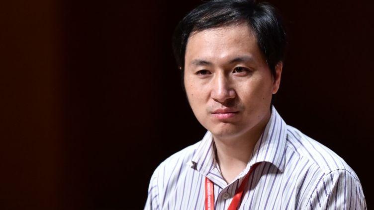 Le chercheur chinois He Jiankui, le 28 novembre 2018 à Hong Kong. (ANTHONY WALLACE / AFP)