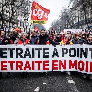 Des opposants à la réforme des retraites manifestent à Paris, le 9 janvier 2019. (MAXPPP)